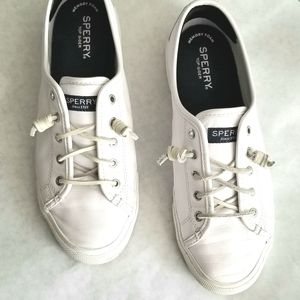 Sperry leather tennis shoes leather laces 9.5